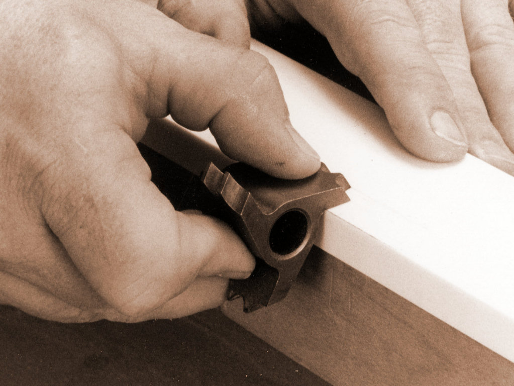 sharpen the router bits